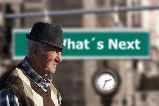 האם ניתן לכפות על עובד לפרוש בגיל פרישה